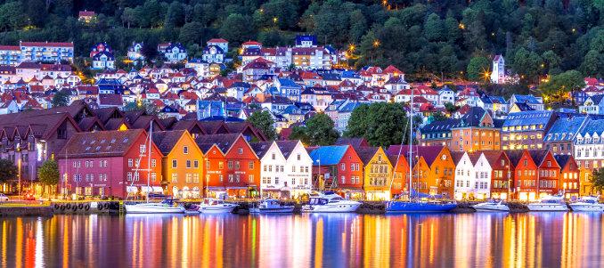 ESCCA 2019 - Flowrescence at the fjords